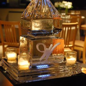 "Pyramid ""W"" Table Centerpieces"