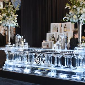 "U Shaped Column Style Ice Bar - 10.5' Wide, 5' Deep, 45"" Bar Height"