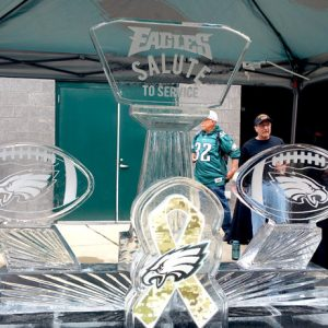 Eagles Salute To Service Live Ice Carving Exhibition