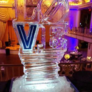 "Villanova Love Statue Ice Carving - 20"" x 40"", 1 Block"